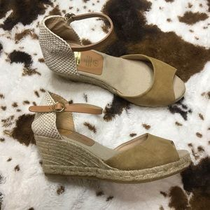Kanna Leather Wedges